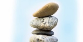 kamienie, kamień filozoficzny, kamień węgielny, kamień piorunowy, omfalos