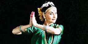 terapie, Anna Łopatowska, bharatanatyam, taniec indyjski, terapia tańcem