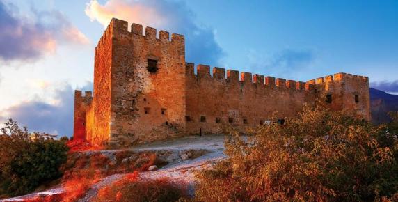 Kreteński zamek warowny Frangokastello od XIV wieku stoi na straży wybrzeża Krety.