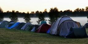 Wakcje pod namiotem