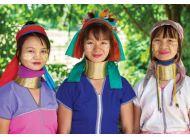 Kobiety z plemienia Karen w Mae Hong Son w Tajlandii, by mieć długie szyje, nakładają mnóstwo metalowych naszyjników; fot. shutterstock