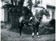 Jerzy Kossak, ojciec Simony, uwielbiał konie, jak jego sławni przodkowie. Fot. archiwum rodzinne