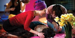 masaż dźwiękiem, wieczór panieński, orientalne techniki relaksacyjne, medytacje, rytuały