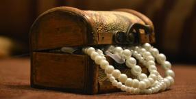 listy,listy czytelników,szafa,przeszłość