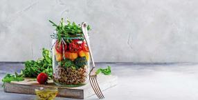 Jak zdrowo przejść na dietę wegetariańską?