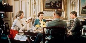 Dworskie sekrety: co robi królowa w swoim pokoju?