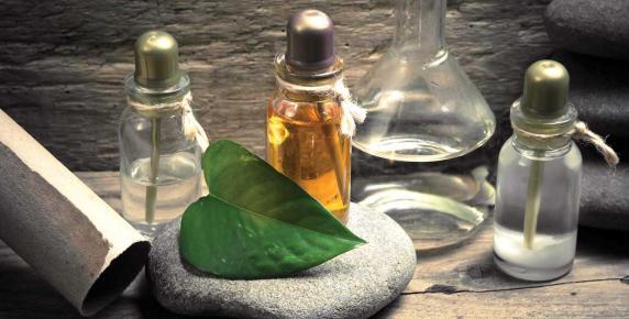 Olejki możesz używać do twarzy, ciała i włosów.